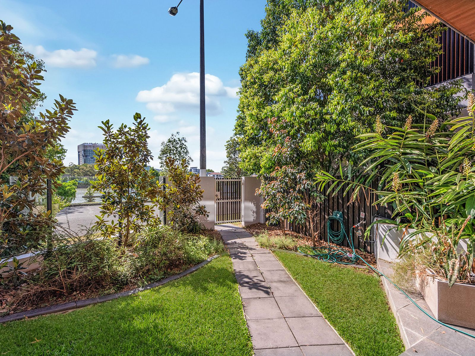 4106 / 55 Forbes Street, West End