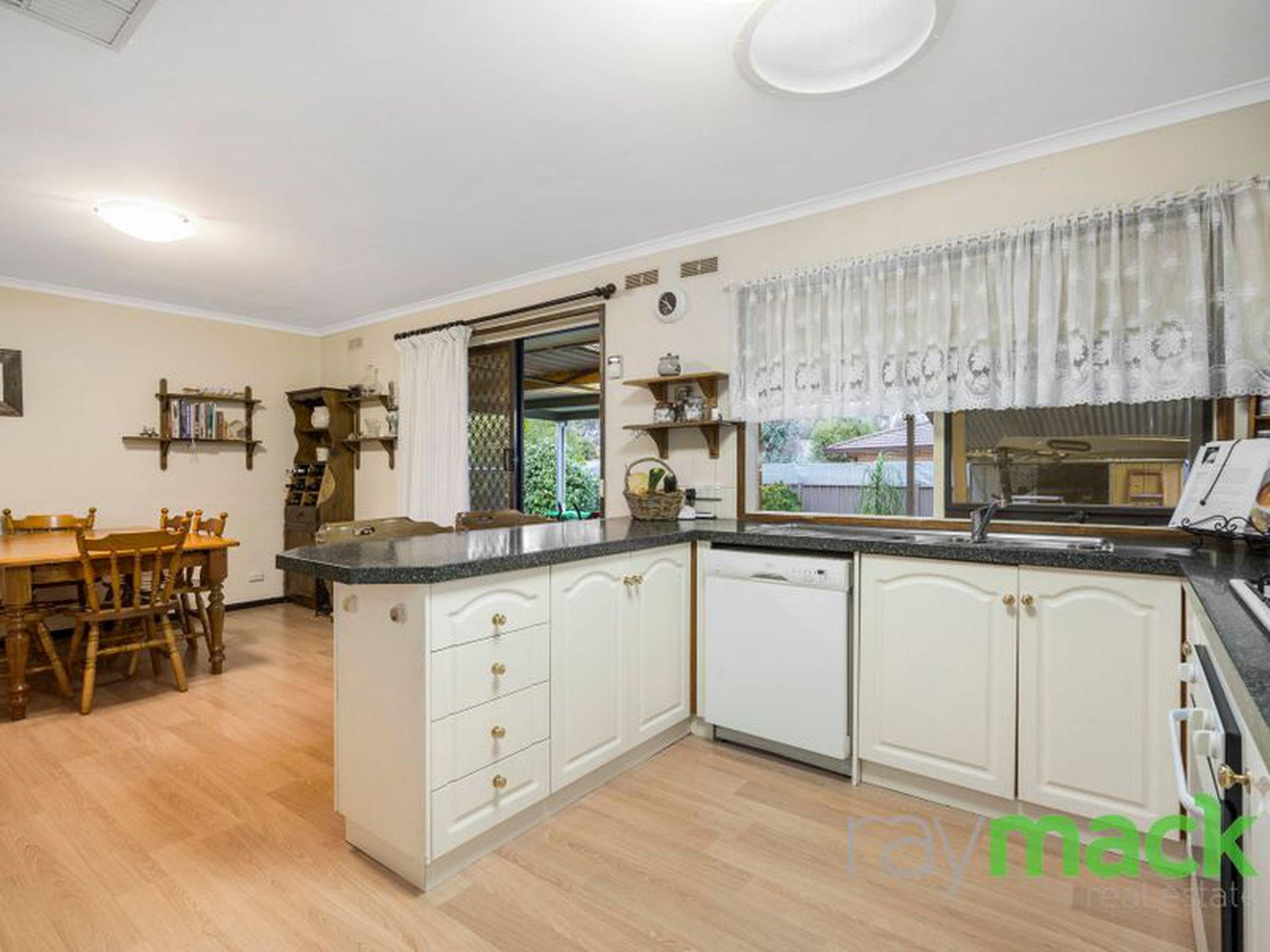 10 Kingston Road, Thurgoona