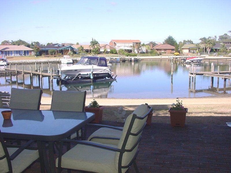 8 / 24 Schooner Bay Drive, Patterson Lakes