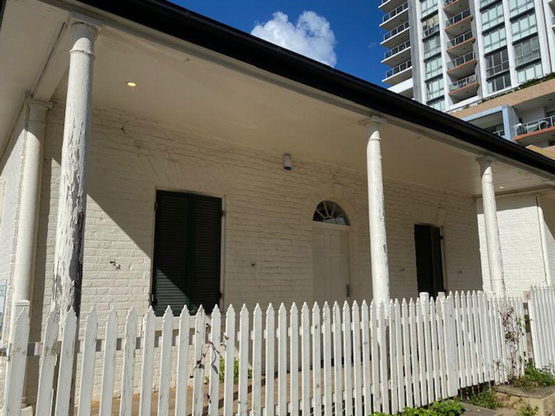 Cottage 1 / 16 Hunter Street, Parramatta