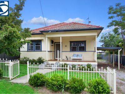 11 UPPER STREET, North Tamworth