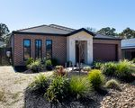 12 Carloway Drive, Castlemaine