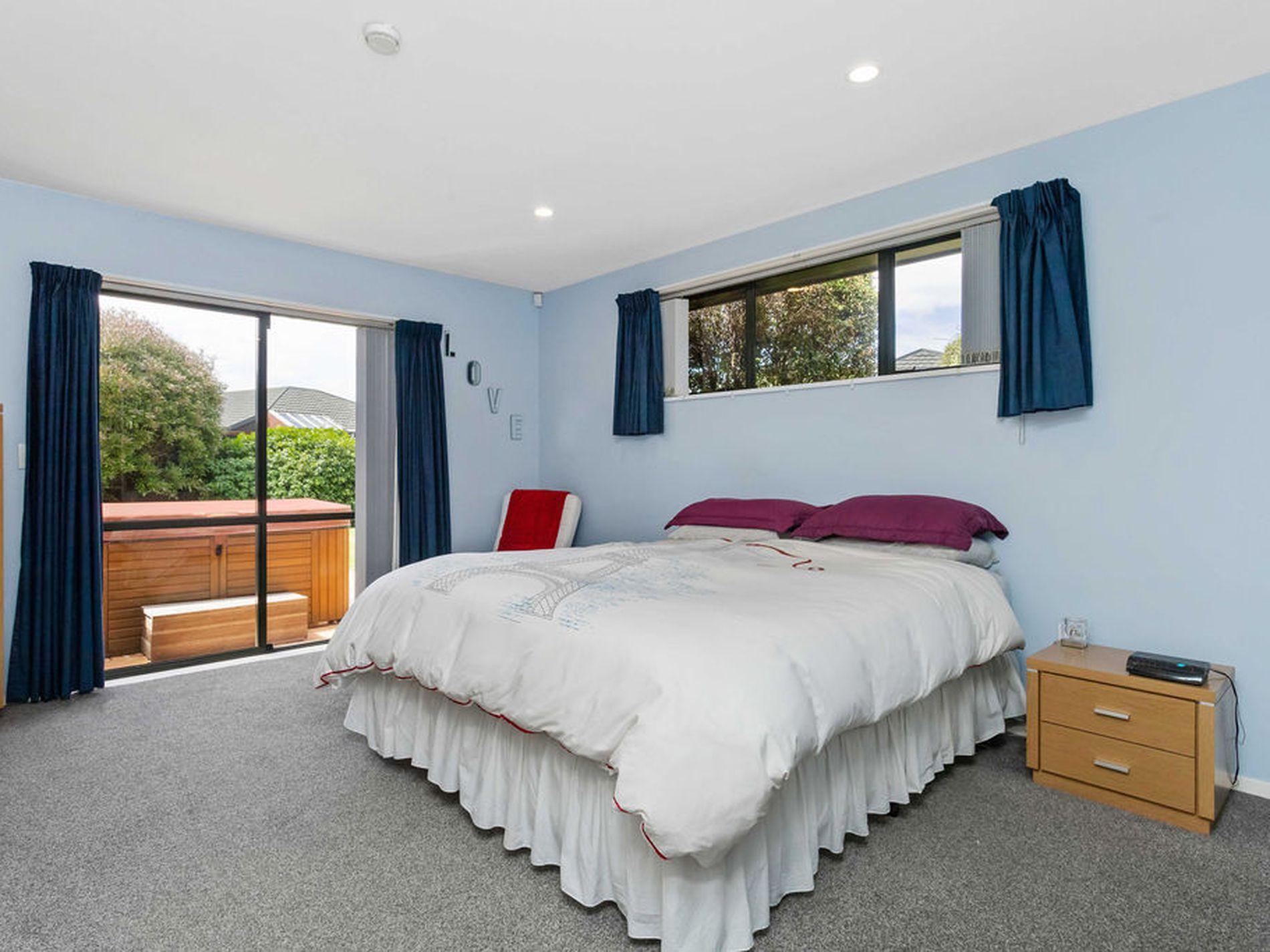 22 Sea Eagles Place, North New Brighton