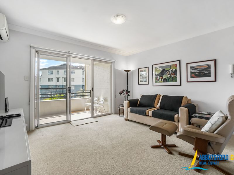 9 / 3a Blackwall Point Road, Abbotsford
