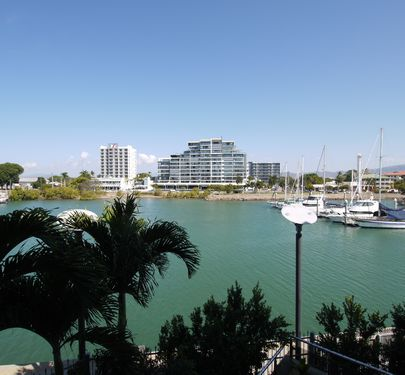 17 / 1 The Strand, Townsville City
