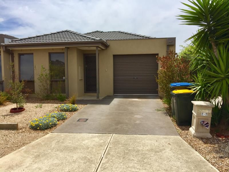 2/2 Lilly Pilly Close, Werribee