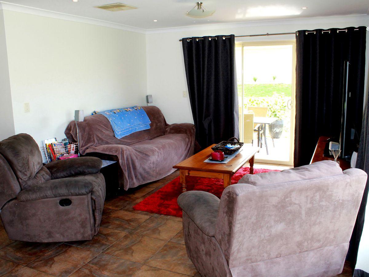 8 THORNEYCROFT AVENUE, Wodonga