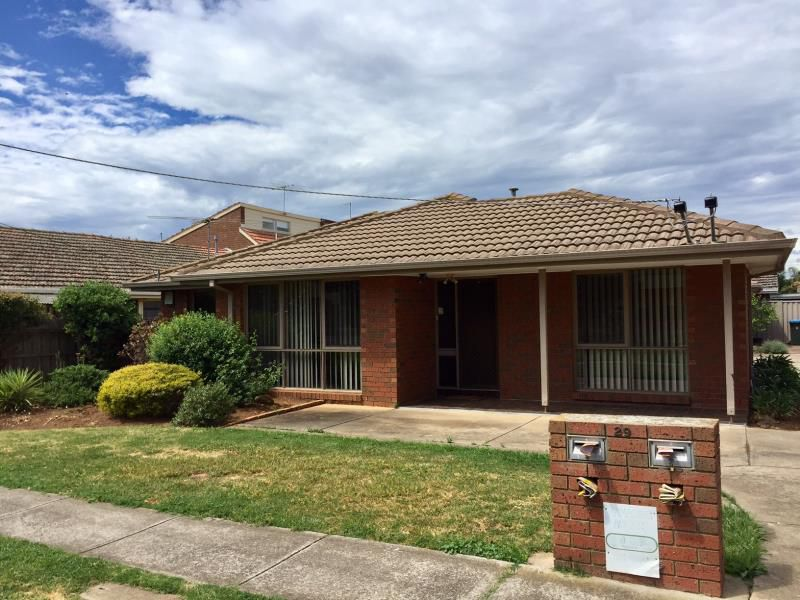 Unit 1/29 Deutgam Street, Werribee