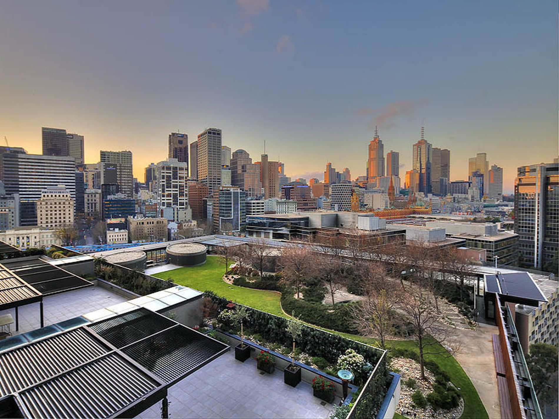 809 / 1 Freshwater Place, Southbank