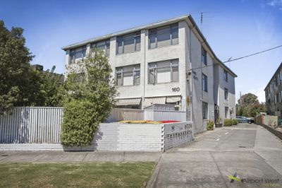 8 / 160 Napier Street, Essendon