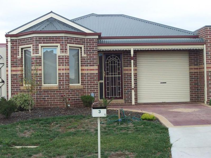 1/3 Hayley Street, Hoppers Crossing