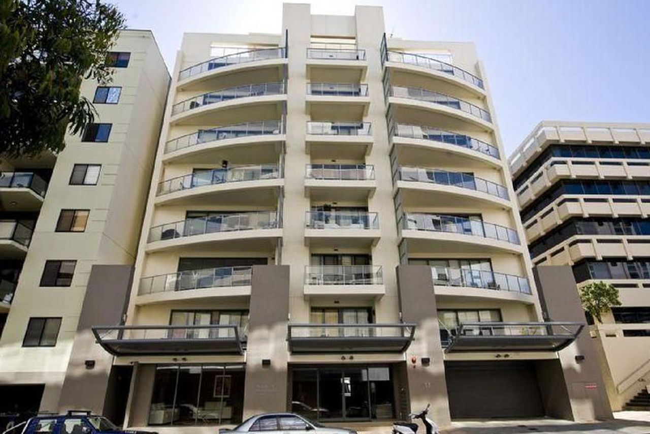 Stylish 2 bedroom apartment set comfortably on the 4th floor of