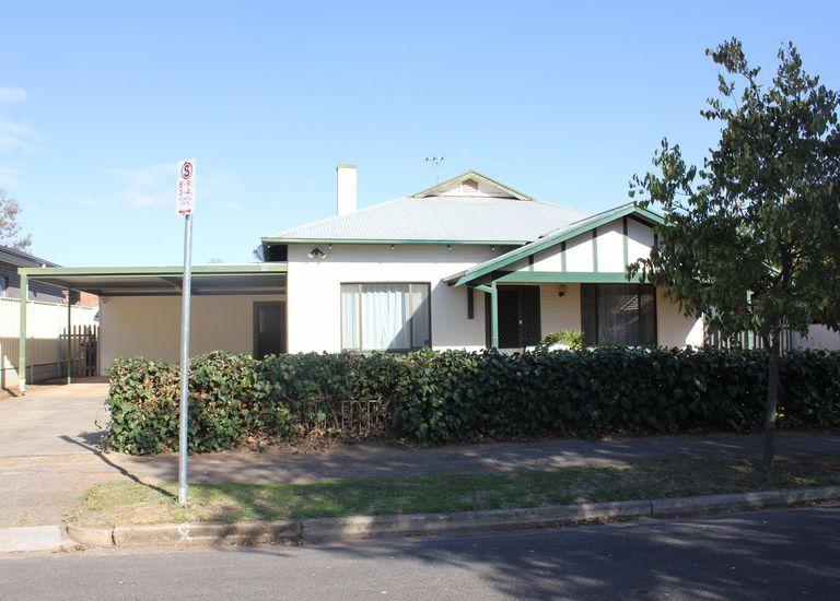 1 Leonard Street, Melrose Park