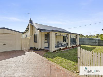 11 Murray Anderson Road, Rosebud