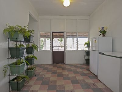 438 HONOUR AVENUE, Corowa
