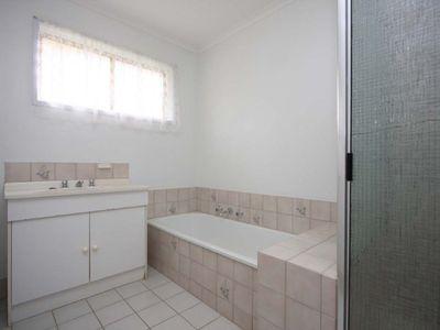 2 / 6 ARNOLD PLACE, Wodonga