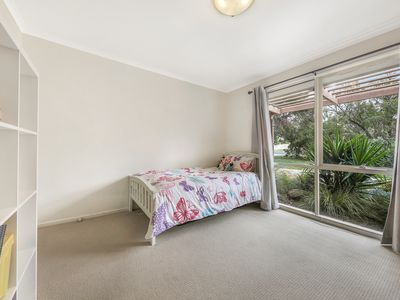 1 / 23  Reynolds Grove, Romsey