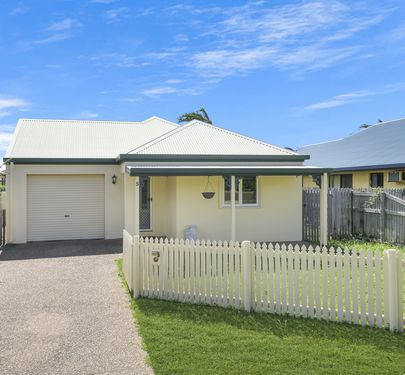 5 Finch Lane, Douglas