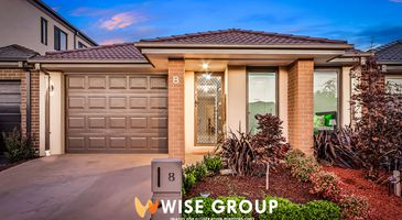 8 Trainers Way, Clyde North