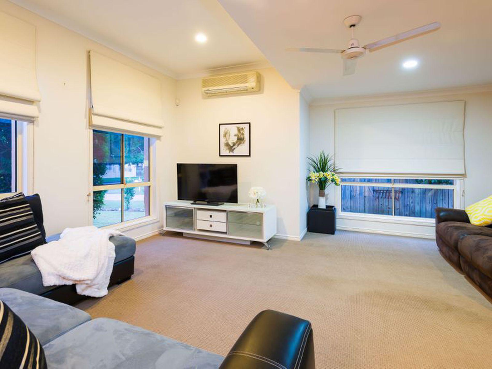 5 Tallara Street, Coombabah