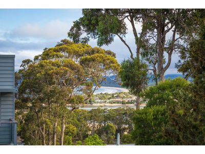 24B Lakeview Avenue, Merimbula