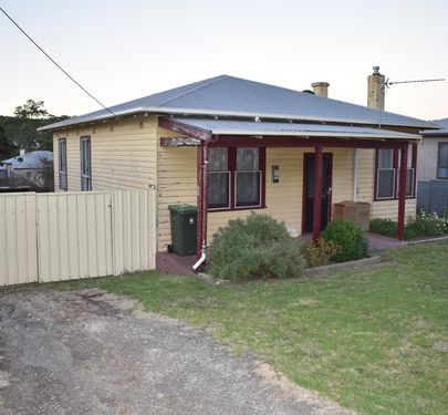 11 Brown Street , Mount Burr