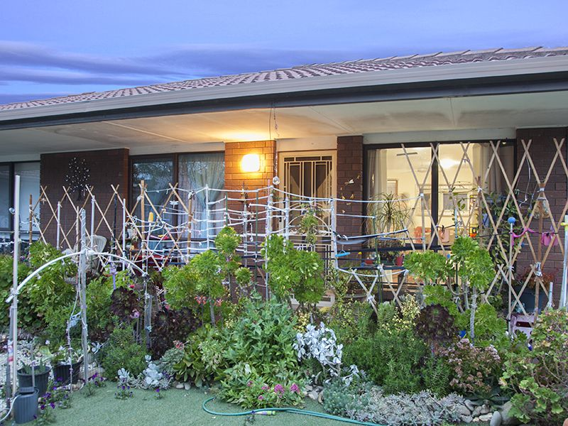 2 / 27 GALLIPOLI STREET, Corowa