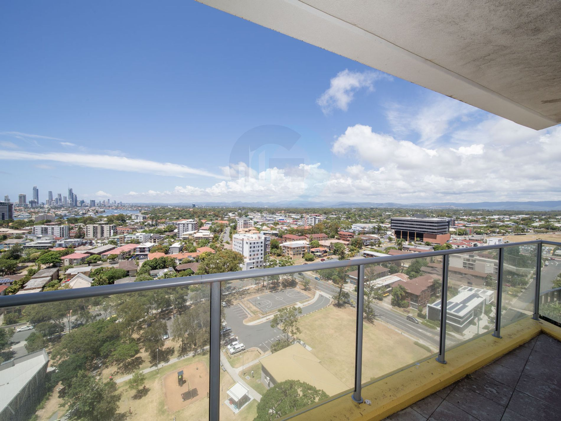 21506 / 5 Lawson Street, Southport