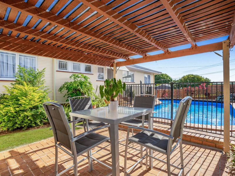 10 Nirimba Street, Manly West