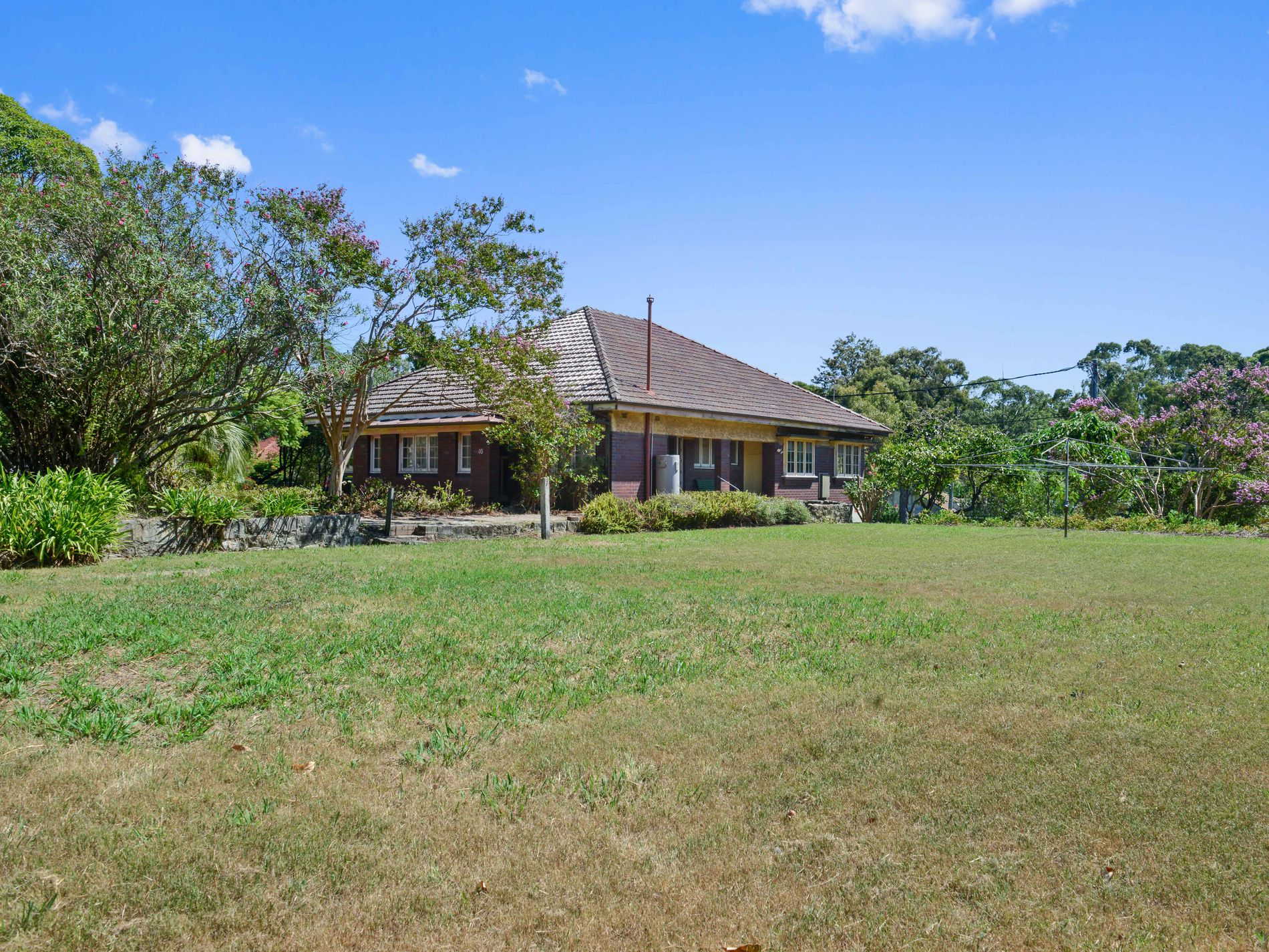 16 COCOS AVENUE, Eastwood