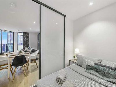 5213 / 33 Rose Lane, Melbourne