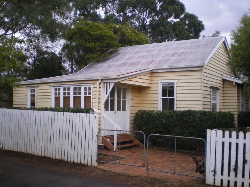 1A Albert Lane, Newtown
