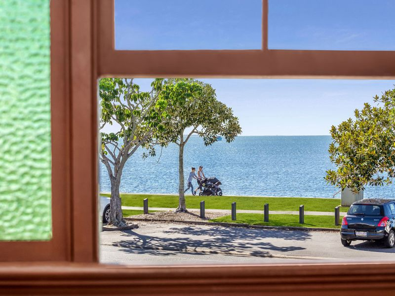 79 Waterloo Esplanade, Wynnum