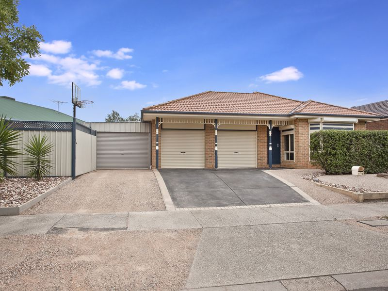13 Lauricella Place, Caroline Springs