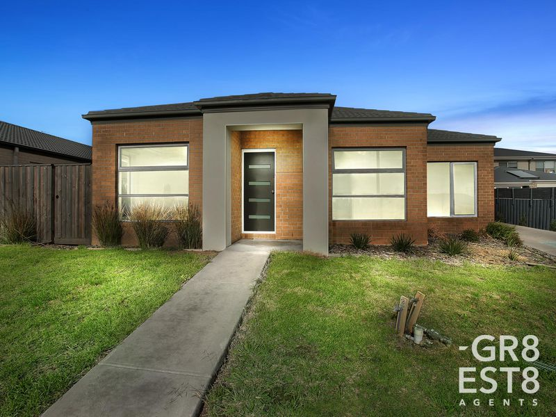 1 / 10 Tangemere Way, Cranbourne