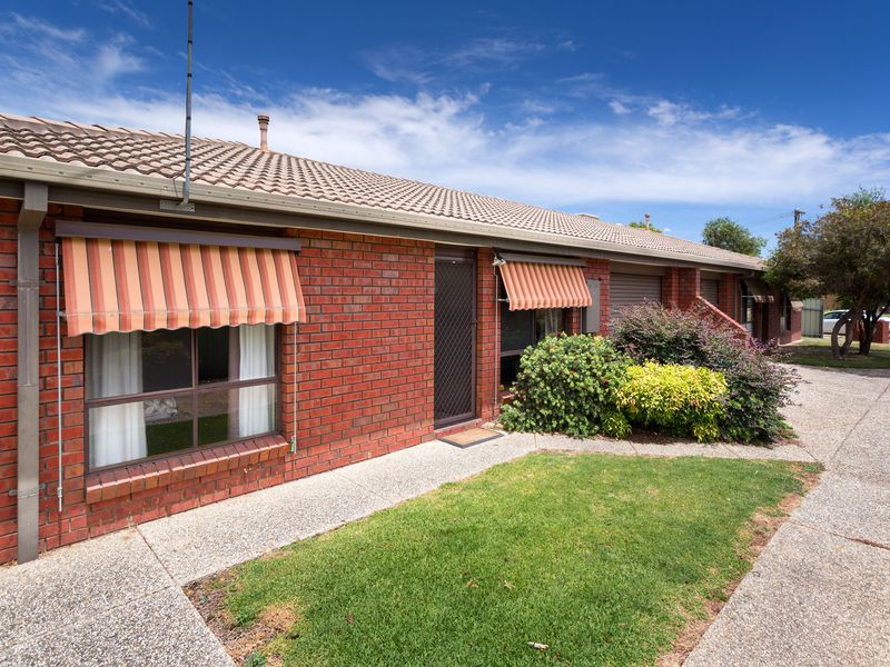 2 / 7 BURNS COURT, Wodonga