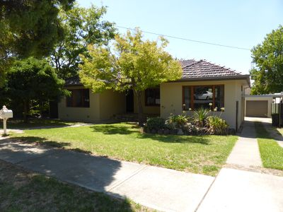 704 Morningside Place, Albury