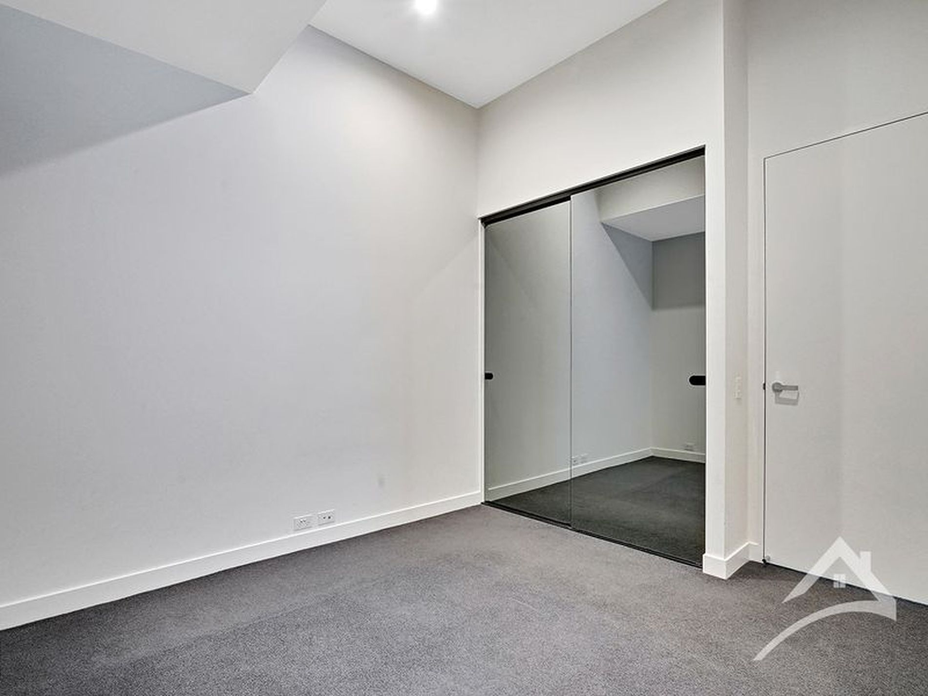 G01 / 555 St Kilda Road, Melbourne