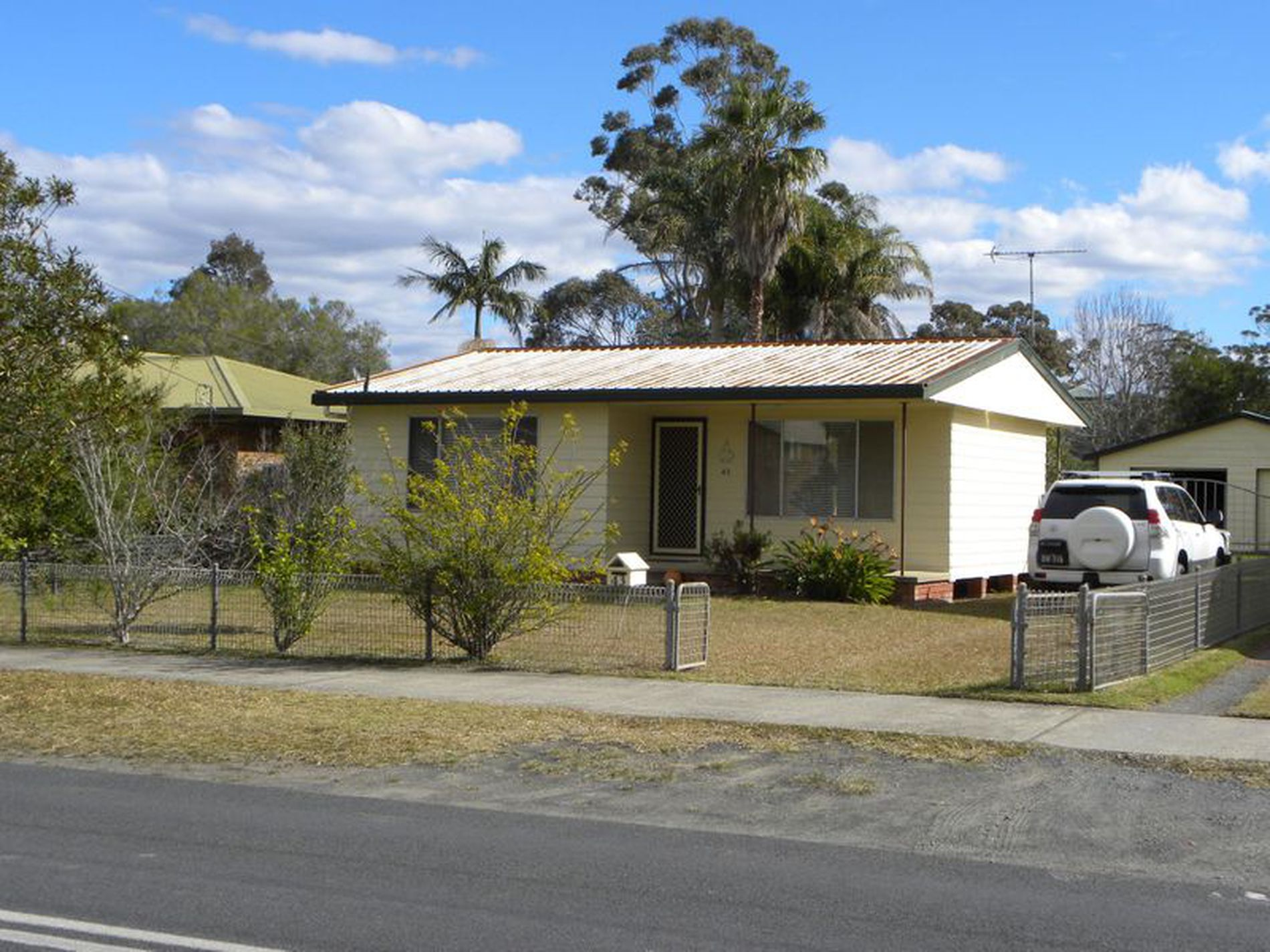 43 Lyons Rd, Sussex Inlet