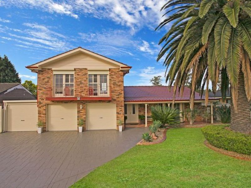 12 Francis Greenway Avenue, St Clair