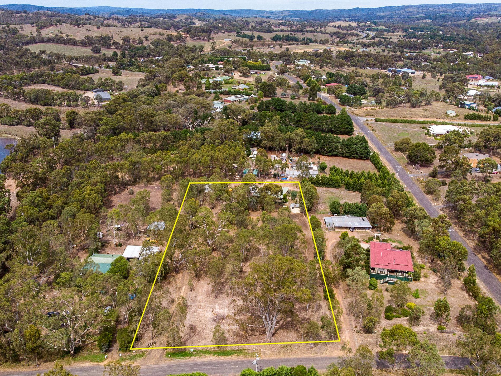 3 DEREK DRIVE, Broadford