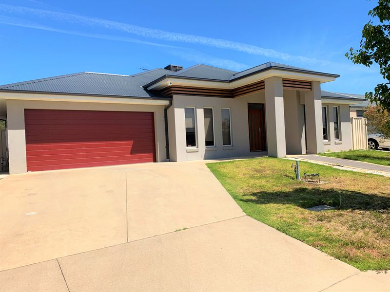5 WEATHERS PLACE, Wodonga