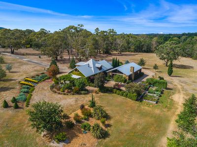 61 Waterfalls Road, Mount Macedon