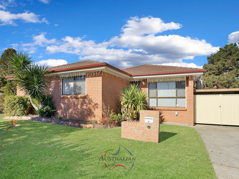 9 Bellini Place, St Clair