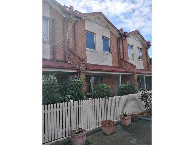 5 / 376 Barkly Street, Footscray
