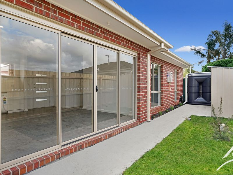 2 / 35 Ailsa Street South, Altona Meadows