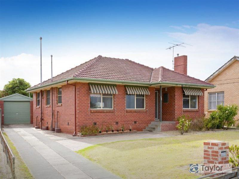 135 St Albans Road, East Geelong