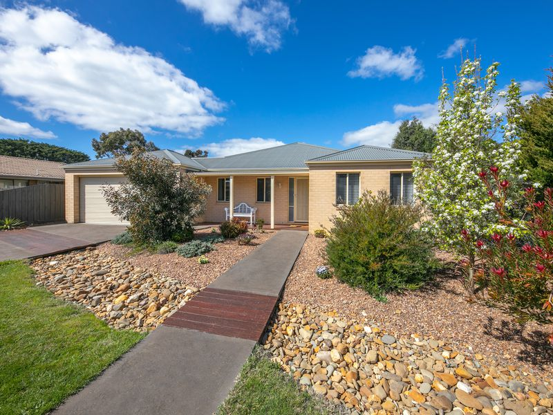3 Acacia Court, Romsey