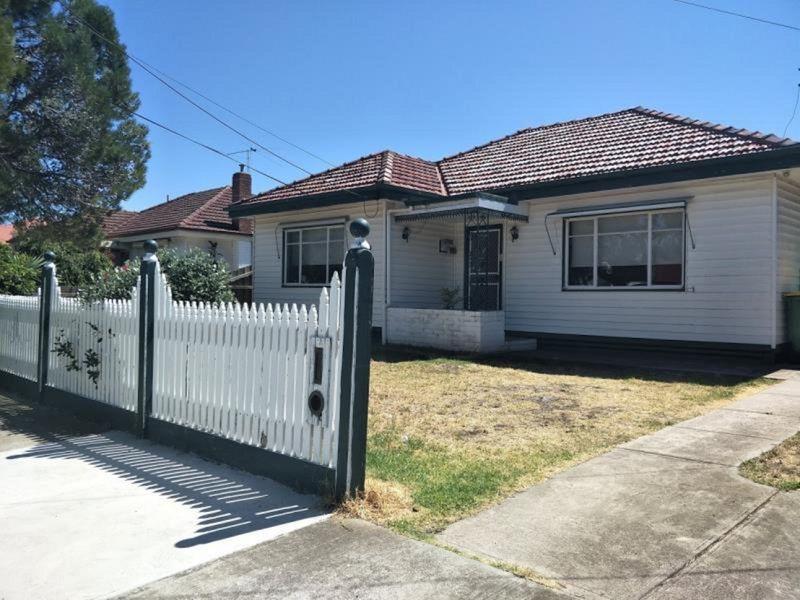30 Napoleon Street, West Footscray