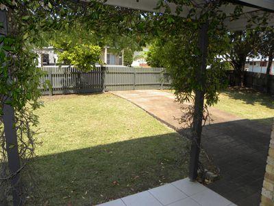 25 Meadowlake Avenue, Berrara